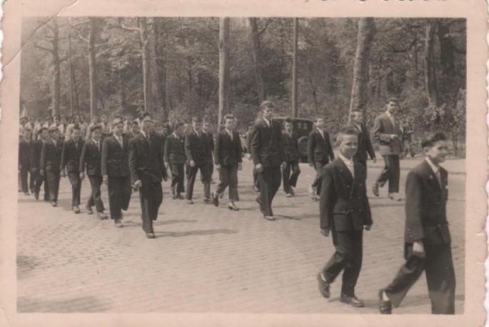 1956- Défilé du 3 mai à Lille (ph, J. Lawniczak)