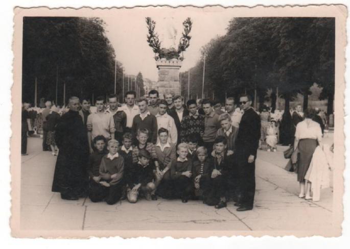 1959 - De retour d'Espagne, arrivée à Lourdes (Ph J. Lesniak)