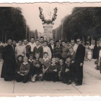 1959 - De retour d'Espagne, arrêt á Lourdes