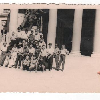 1959 - Madrid, devant le mus+®e du Prado