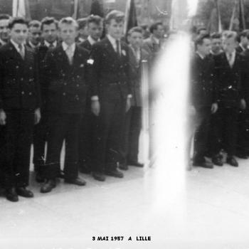 DEFILE DU 3 MAI 1957 A LILLE – PLACE RIHOUR