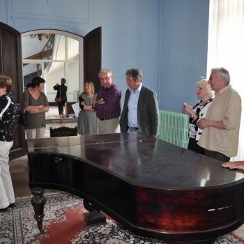 Le piano dans le salon du Château