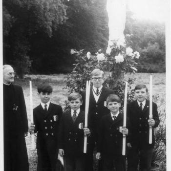 Communion de Richard en 1972. Richard est en arrière.