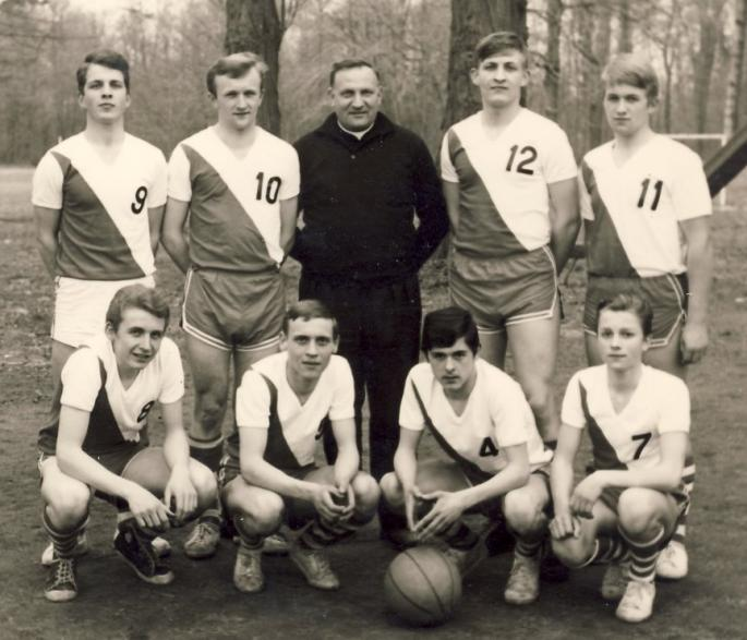 Equipe cadet 1965 Internat Saint Casimir (photo C. Lukasiewicz)