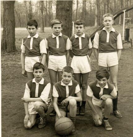 Equipe Basket benjamins 196?, Photo Jean Strzeczyk