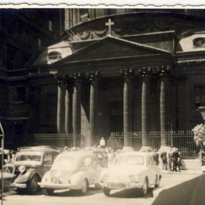 1961, la chorale chante à Paris.
