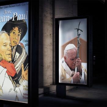 Un Homme, un Pape, Un Saint.