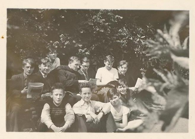 1949, dans la cour de Saint Casimir au 15, place de la République