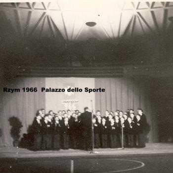 Rome mai 1966, Chorale au Palais des Sports détail (