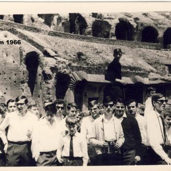 Rome-Mai 1966, dans le Colisée   (p)