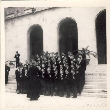 Rome mai 1966 devant  la maison des  Oblats