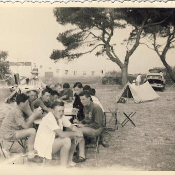 Petit déjeuner à Chateauroux chemise blance Kubicki (Lens)
