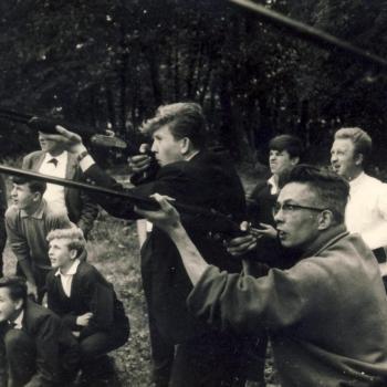 Classe de 3°, 1962, Wolniewicz et R.P. Marciszewski aux fusils