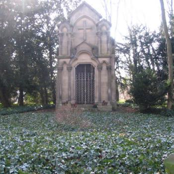 le tombeau de la Famille d'Halloy , 2010 (Photo Georges Burzicki)