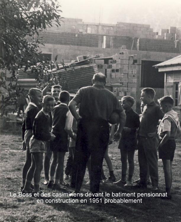 Le Boss de dos lors de la construction des bâtiments. Fin années 50. Photo R. Kowalski