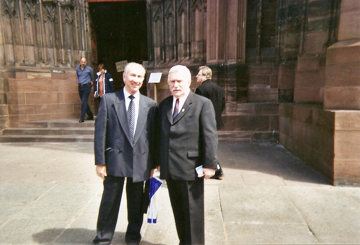 mai-2004-strasbourg-l-walesa-j-sztrzecczyk.jpg