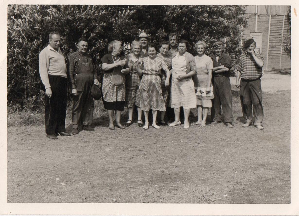 O. Zajac et la brigade de cuisine. début des années 60. Photo Joseph Staniaszek