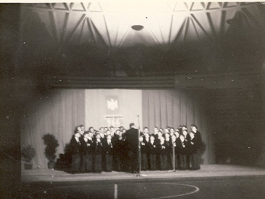 rome-mai-1966-chorale-au-palais-des-sports-detail.jpg
